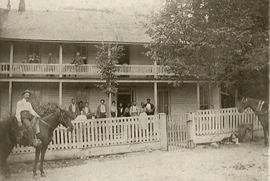 The Carlton Inn Motel Is Located Behind Library At Upper End Of Yellville Linda
