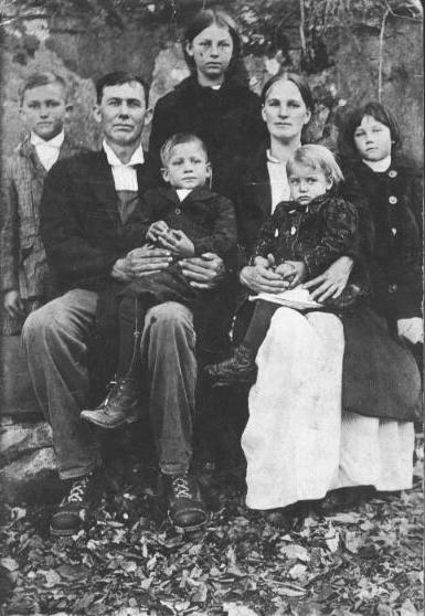 Martha Flora Jane (Smith) Gilmore & Family Photo